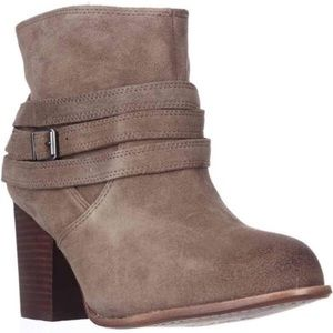 Splendid • laventa strapped suede ankle boots
